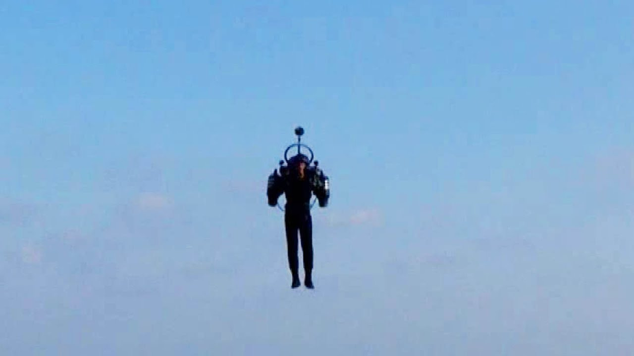 A man flying a jetpack was reported by pilots above Los Angeles ...