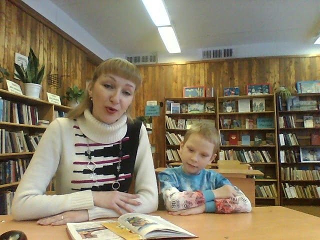 Изображение предпросмотра прочтения – ВячеславПроворов читает произведение «Булочная песня» М.Я.Бородицкой
