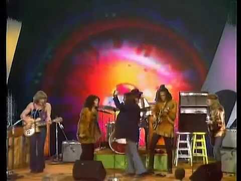 jefferson airplane   volunteers   live 19 8 69