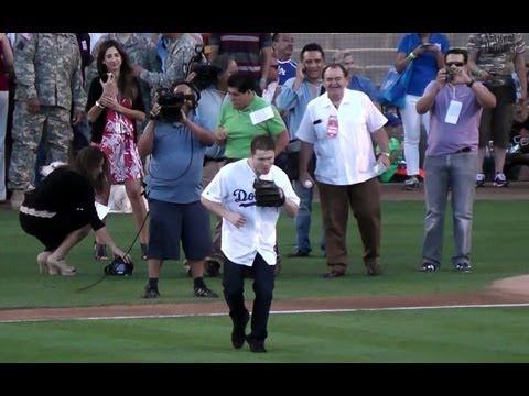 Boxer Canelo Álvarez Throws First Pitch @Dodgers