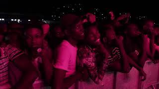 Nandy Aangukia Mashabiki Fiesta Mwanza Perfomance.