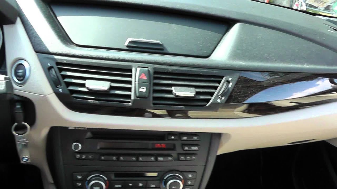 Bmw x1 interieur hd youtube for Interieur x1