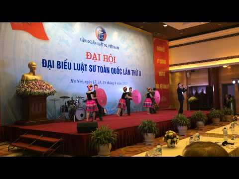 Múa thơ tình của núi - Đoàn luật sư thành phố Hà Nội.