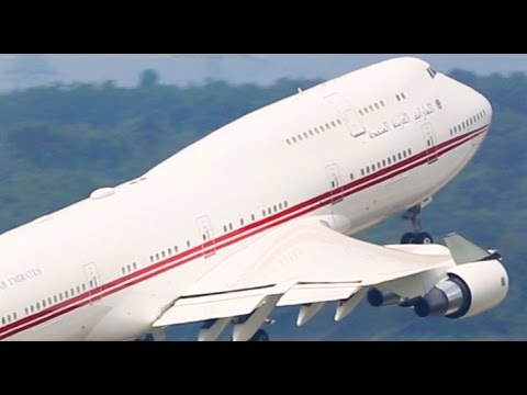 ROYAL Boeing 747 Departure - UAE Government Boeing 747-400