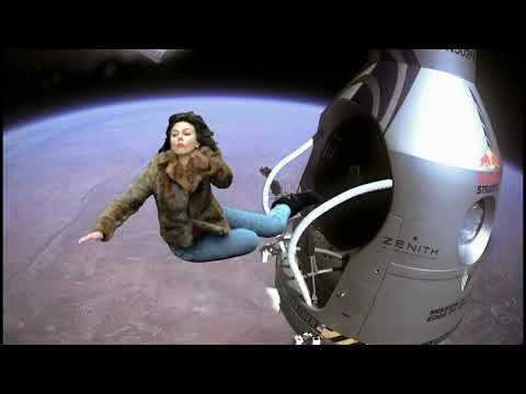 Scarlett Johansson Falls Down, But What are the editors done with it! Its More Funny