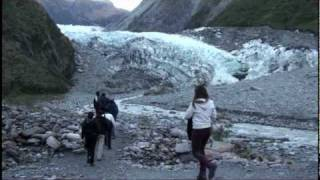 walk to the ice face of fox glacier new zealand