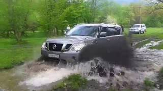 LAND ROVER DISCOVERY-4  NISSAN PATROL Y62 TOYOTA LAND CRUISER PRADO 120 VS LAND ROVER DISCOVERY-3