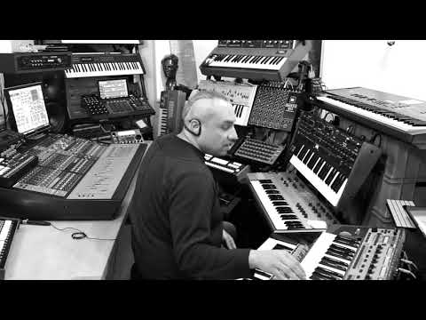Anthony Rother - Living In The Future - 3L3C7RO COMMANDO (Studio Session) mp3