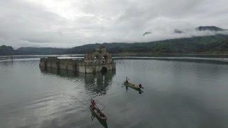 بالفيديو.. كنيسة عمرها 5 قرون تغمرها مياه بحيرة تعود للظهور بسبب الجفاف