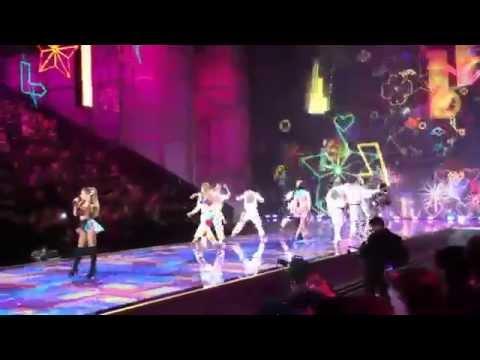 Видео, Ariana Grande - Love Me HarderBang BangBreak FreeProblem Live Victorias Secret Fashion Show