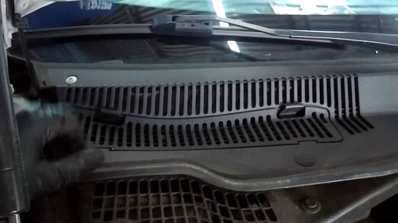 2010 chrysler 300 cabin air filter location and replacement