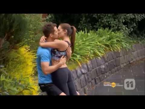 Sonya and Toadie kiss & Paige and Mark kiss scene ep 7186