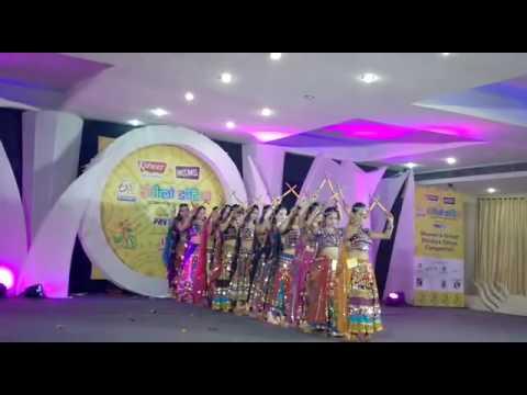 Dandiya group