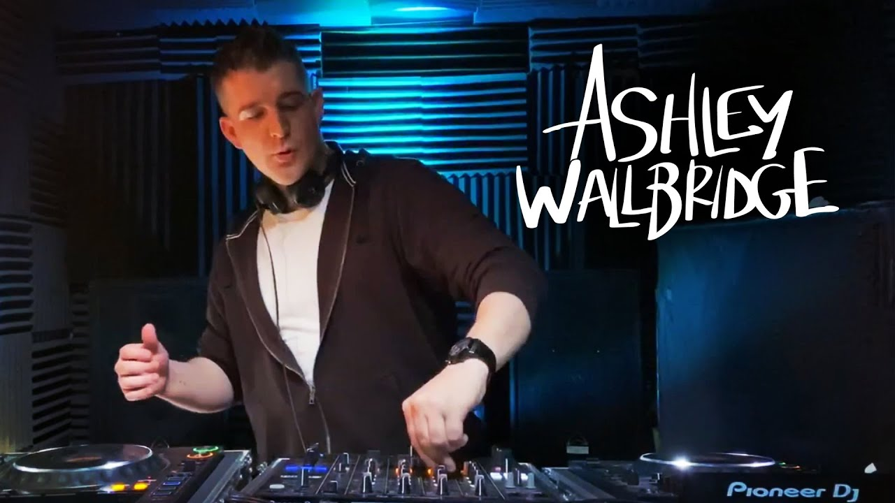 ASHLEY WALLBRIDGE ▼ TRANSMISSION LIVE: Home Edition
