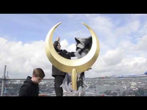 Kölner Zentralmoschee in Köln: Spektakulärer Aufbau der Halbmonde auf DITIB Moschee