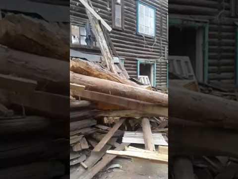 Жильцам дома №7 на улице Адмирала Макарова перекрыли вход в квартиры