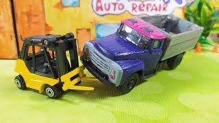 Машинки ремонтируют грузовичок. Video for kids.