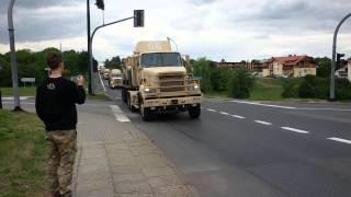 Alarmowo konwój wojskowych pojazdów przez Łańcut