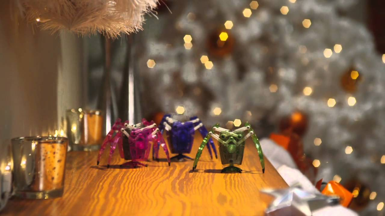 Рождественская реклама нано-жучков