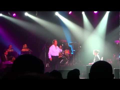 YOU DON'T KNOW ME - Engelbert Humperdinck Live in Dubai - March 7, 2012