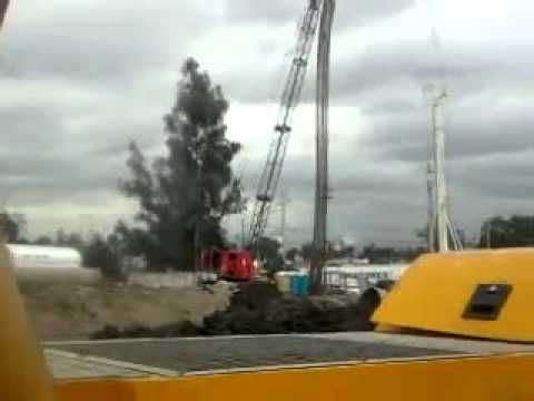 Crawler Cranes Emergency! Авария гусеничного крана! (www.vertikalnet.ru)