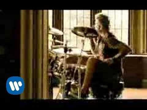 Staind - Right Here [OFFICIAL VIDEO]