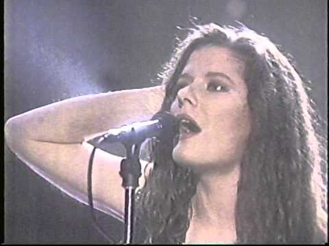 Edie Brickell & New Bohemians - Arsenio Hall 1988 What I Am