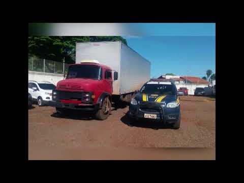 PRF apreende carga de roupa contrabandeada avaliada em R$ 400 mil