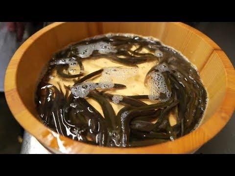 Японская Еда - Рыба Червь Приготовленая Японским Шеф-Поваром