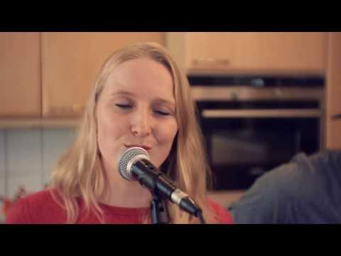 Mama Said - Metallica (cover Marina & Arne-Jan) Keuken Sessies