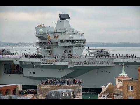 HMS Queen Elizabeth arrives in Portsmouth - 4K