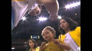 Riley Curry Good Luck Kiss To Stephen Curry!