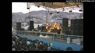 """Daphne Descends"" LIVE in Italy Smashing Pumpkins 1998"