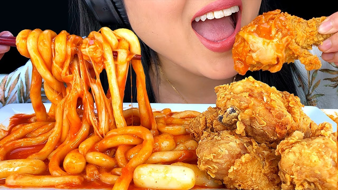 ASMR FRIED CHICKEN & TTEOKBOKKI NOODLES *SPICY* 떡볶이 치킨 먹방 (Eating Sounds) | ASMR Phan