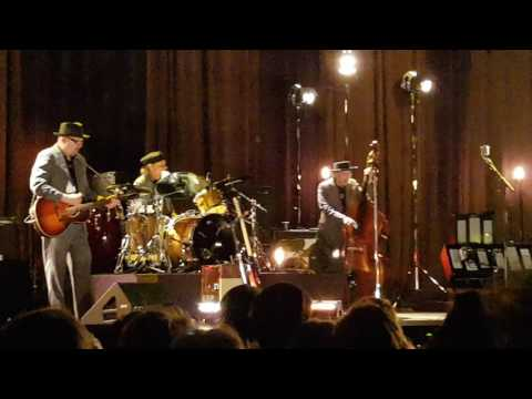 Bob Dylan - Blowin' In The Wind - live @ Oslo Spektrum, 04.04.17