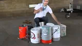 Amazing Street Drummer Double Speed