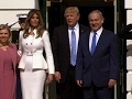 Netanyahu and wife greeted at White House