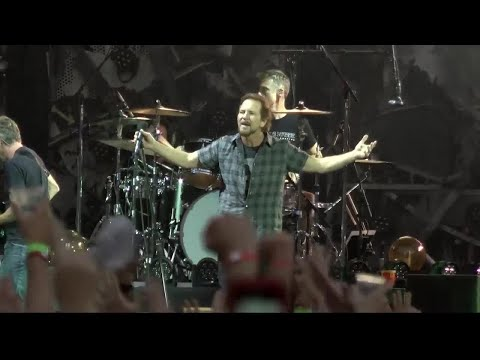 Pearl Jam rocks out in Missoula
