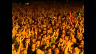 Ian Brown - She Bangs The Drums (Glastonbury Festival 2005)