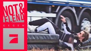 Stunt-Lizenz: Joko & Klaas springen aus fahrendem LKW | Spiel 3 | Joko & Klaas gegen ProSieben