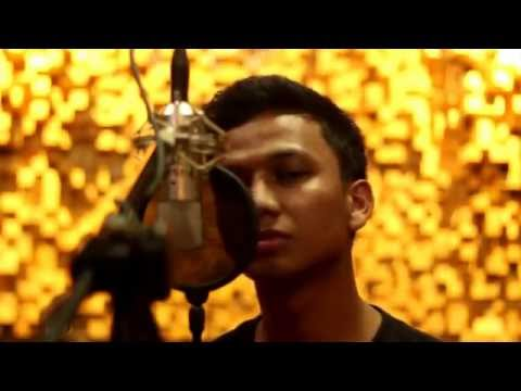 Dhyo Haw - Jarak Dan Kita ( Iqazza Music Cover)