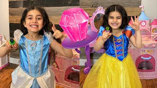 Magic Ring Pop Candy pretend play as princesses