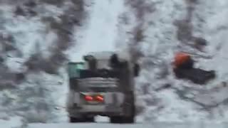 Пробка. Очередная авария на подъёме.(, 2016-11-17T01:43:27.000Z)