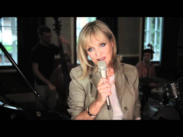 TWIGGY - SELECTIONS FROM HER NEW ALBUM 'ROMANTICALLY YOURS' (2011)
