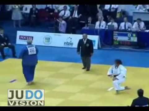 JUDO 2009 Grand Slam Moscow: Urszula Sadkowska (POL) - Nihel Chikhrouhou (TUN)