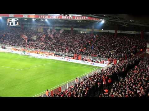 Stimmung in der Alten Försterei: 1. FC Union - FC St.Pauli