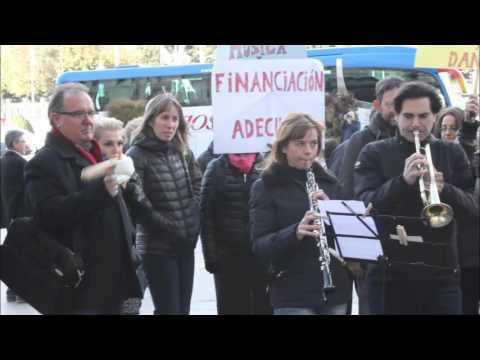 CONCENTRACIÓN DE TRABAJADORES DE ESCUELAS MUNICIPALES DE MÚSICA Y DANZA DE MADRID