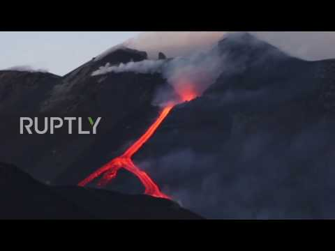 Italy: Clouds of smoke billow out of Mt Etna as volcano continues to erupt