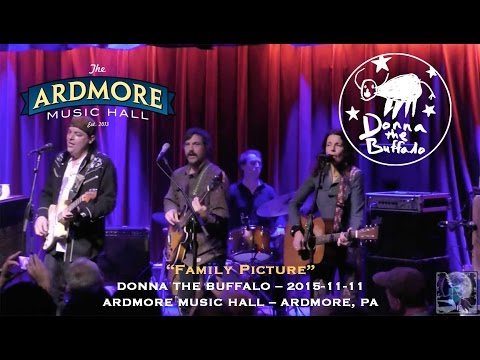 2015-11-11 - Donna the Buffalo -