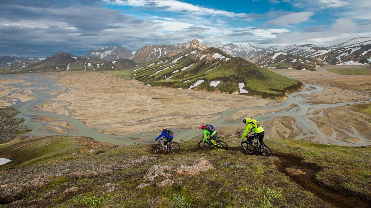 Hans Rey & Steve Peat traversent l'Islande